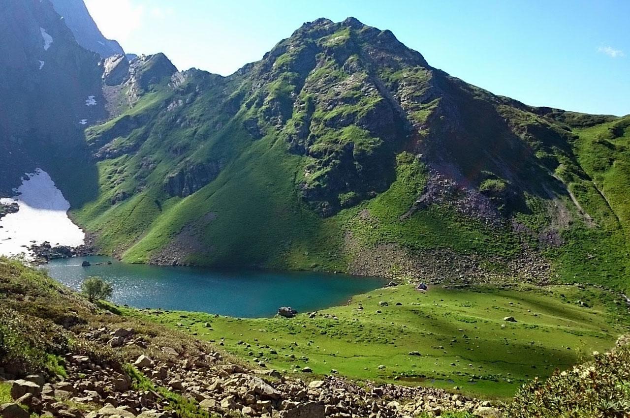 Высокогорное озеро Мзы Абхазия