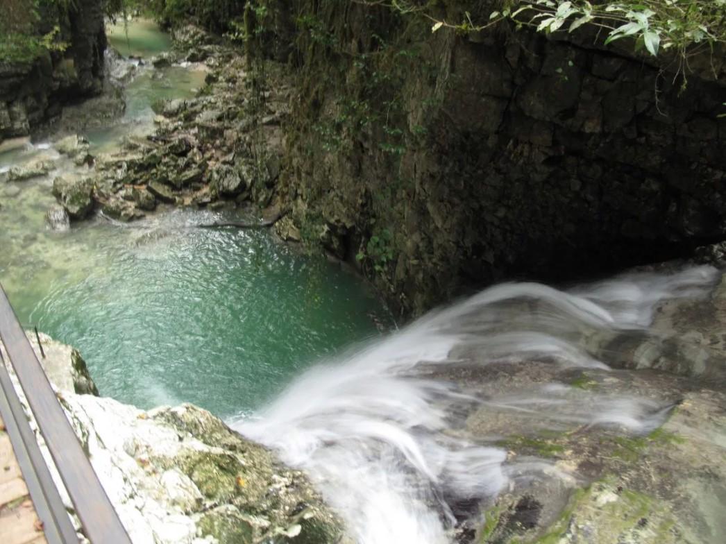 фото: Ольгинский водопад (Абхазия)