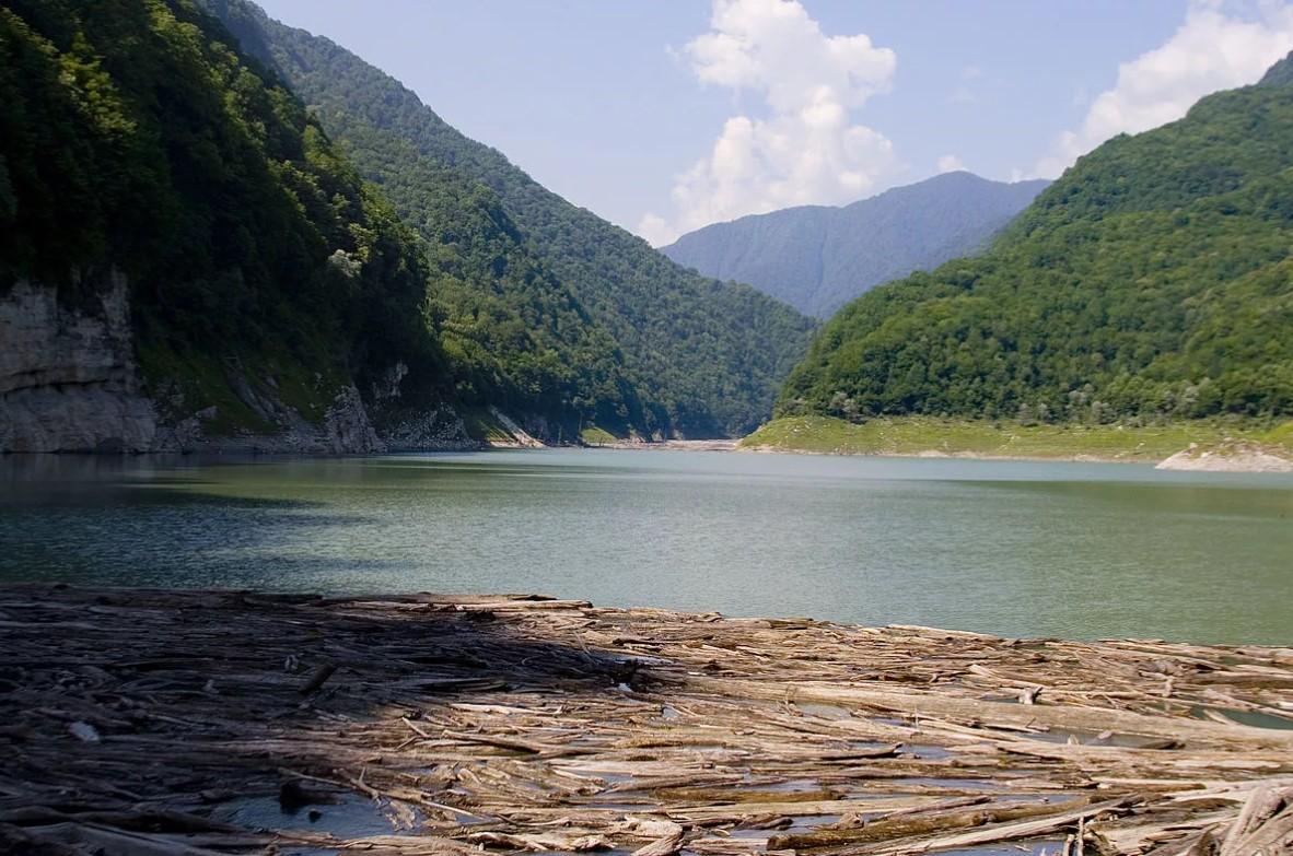 фото: Озеро Амткел (Абхазия)