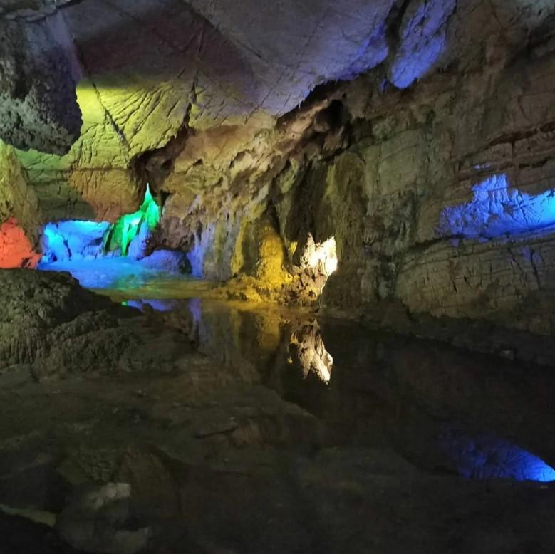 Цебельдинская пещера и источник