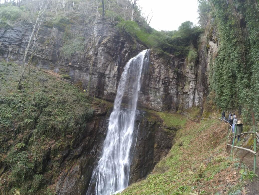 Водопад Гигант в Абхазии