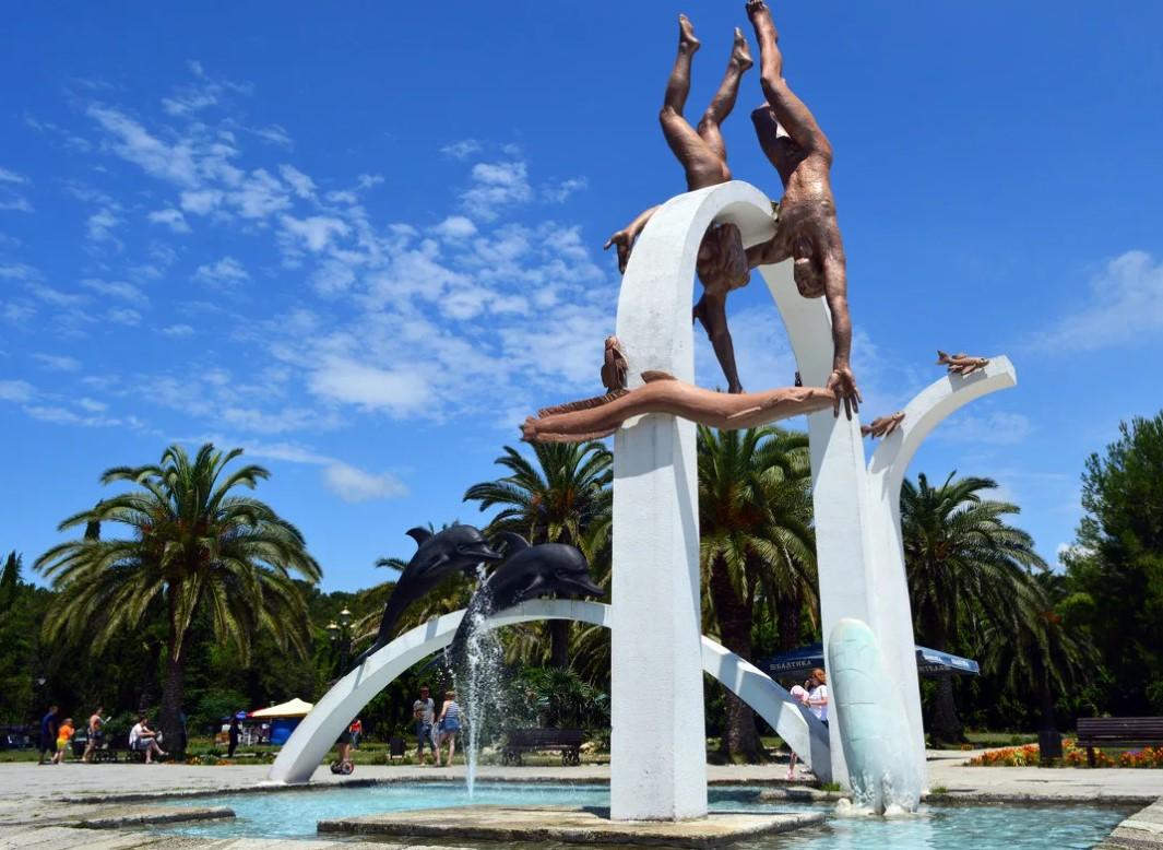Символ Пицунды - Скульптура «Ныряльщики» Зураба Церетели