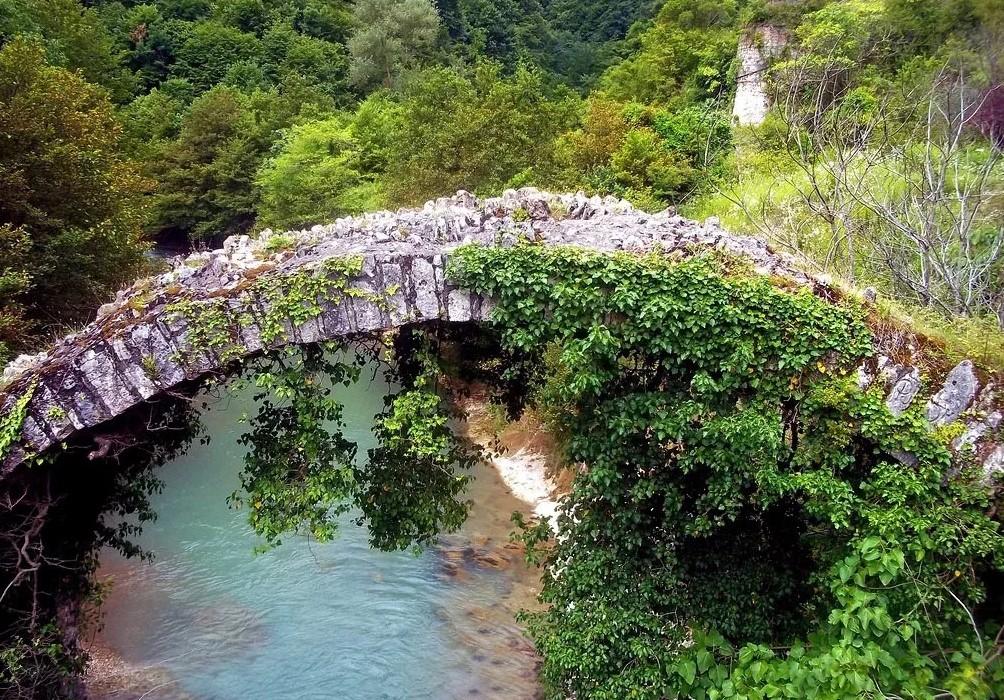 Мост царицы Тамары в Сухуме