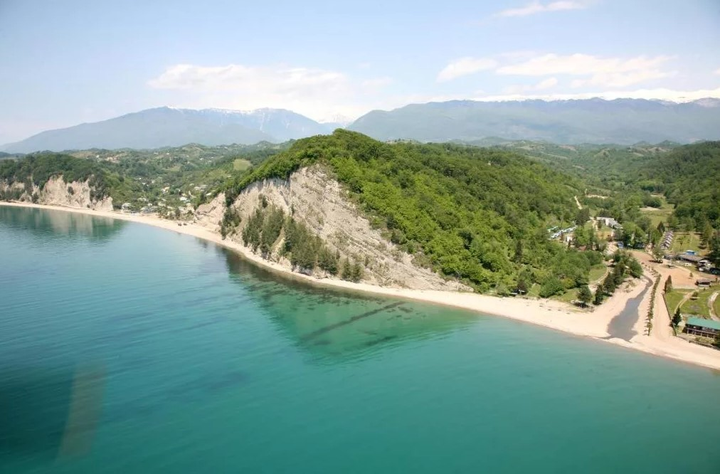 Золотая бухта (Абхазия)