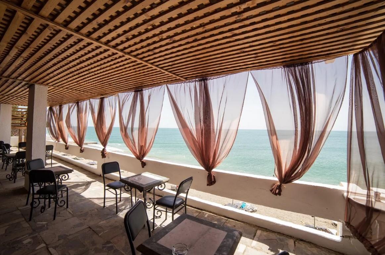 кафе-бар на пляже Мюссер
