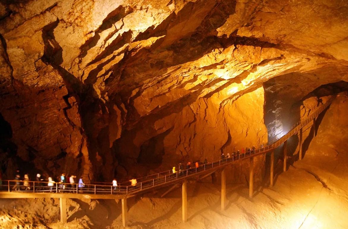 Новоафонская пещера (Абхазия)
